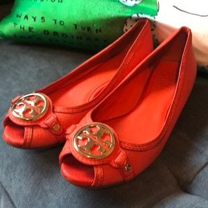 Tory Burch Flats/beautiful for fall!!